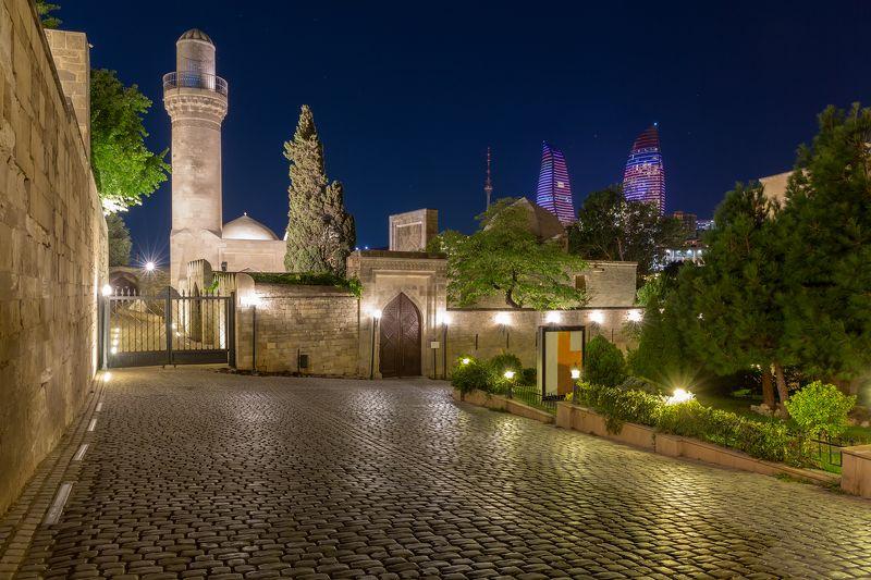пейзаж, город, крепость, старина, история, достопримечательность, Баку, Азербайджан Вечер в старом городеphoto preview