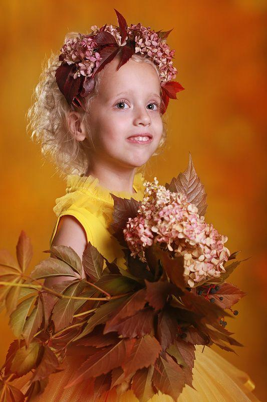 дети портрет осень девочка Осенний портретphoto preview