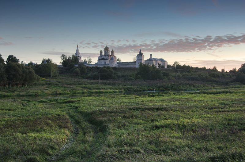 монастырь,река,осень,закат,небо,природа,православие Осенний вечерphoto preview