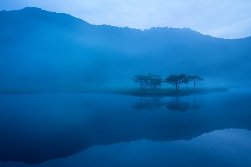 #Japan #water #blue #lake #morning Blue worldphoto preview