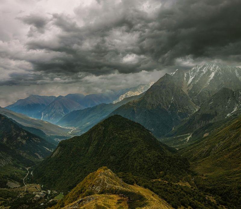 горы, облака, кавказ в холодную осень...photo preview