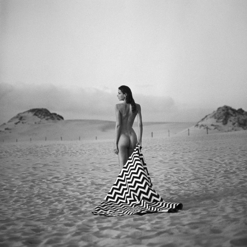 akt, nude, analog, women, fineart, ninoveron, bw, 6x6, Michaelaphoto preview