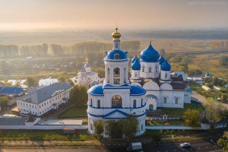 Свято Боголюбский Женский Монастырь в первых лучах осеннего солнца!photo preview