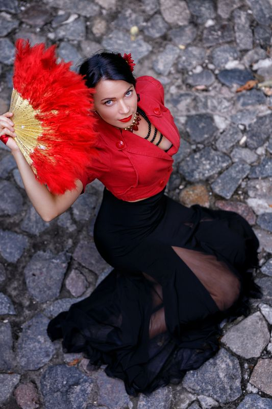 girl, dance, flamenco, spain, fan, black and red, wine, grapes, sangria, theater, actress After Flamencophoto preview