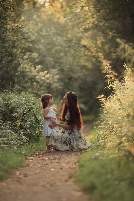 мама и дочкаphoto preview