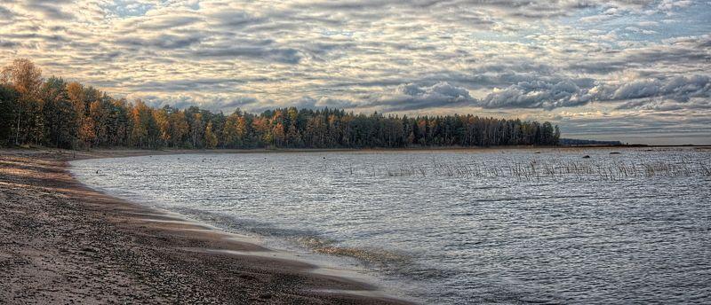 осень, панорама, вода, песок, облака, деревья autumn panoramaphoto preview