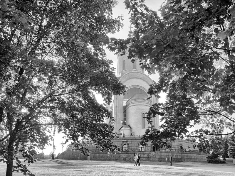 Moscow, Russia, Street, Black and white, Monochrome, Park, Autumn A farewell to summerphoto preview