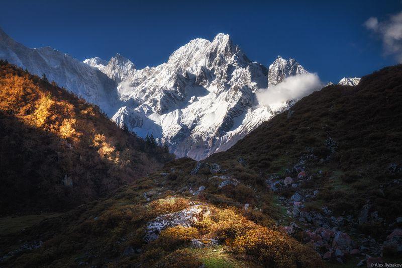 горы утро снег Гималаи Утро в горахphoto preview