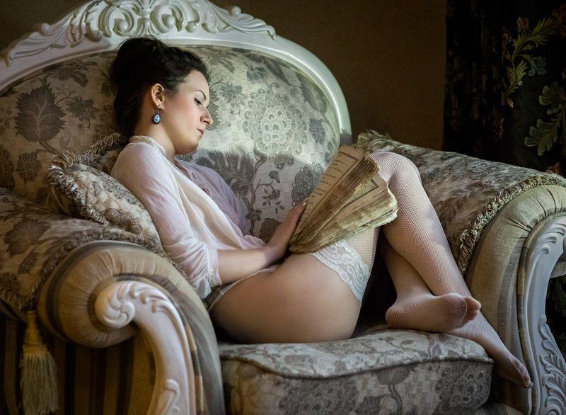 ню, эротика, портрет, картина, девушка, евгений корниенко, обнаженная, интерьер, деревня За чтениемphoto preview