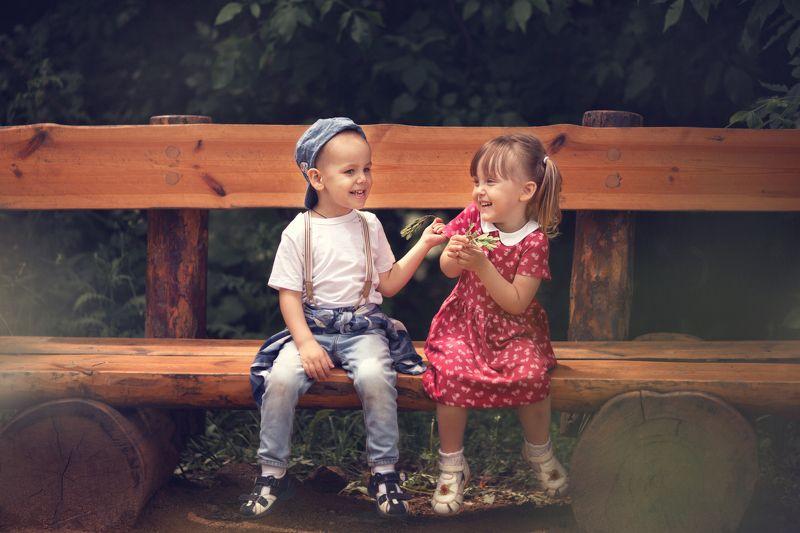 дети друзья счастье семья  друзья photo preview