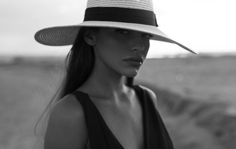 фотомодель, портрет, чб, девушка, красивая, взгляд, черно-белое, woman, beautifull, portrait, black & white, monochrome, canon6d Машаphoto preview