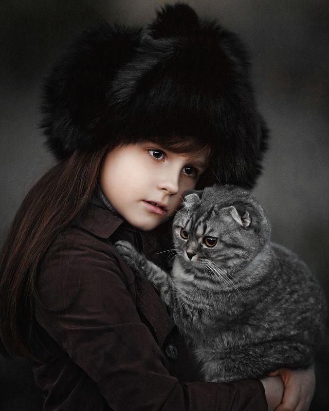 друзья, девочка и кошка, арт, цвет, домашние животные, красота, красивые дети, семья, ценности Друзьяphoto preview