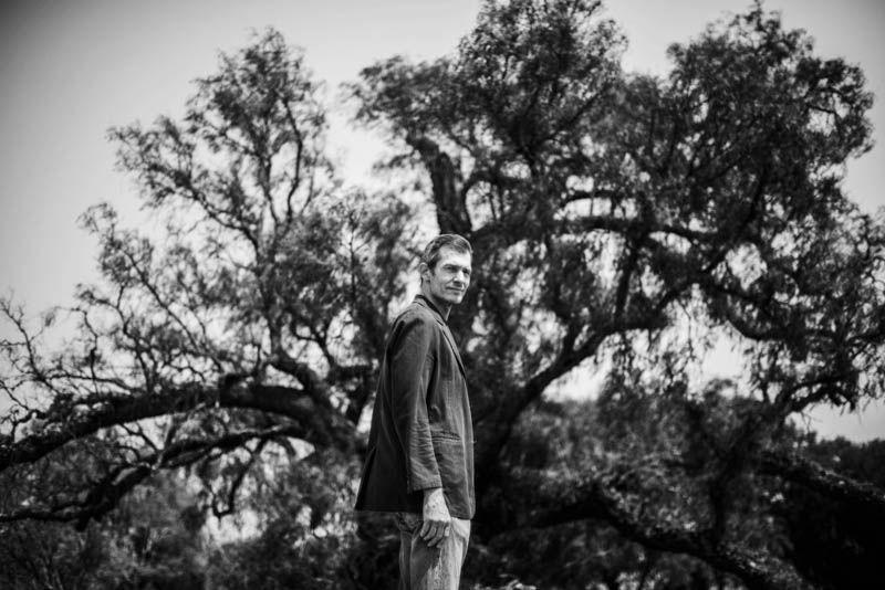 man, mansportrait, tree, мужчина, портрет, мужскаяфотосессия, дерево Mikphoto preview