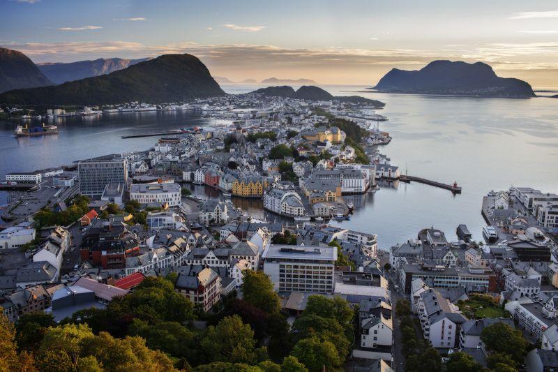 norway, норвегия Alesundphoto preview