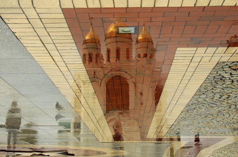 город, храм, отражение, дождь После дождяphoto preview