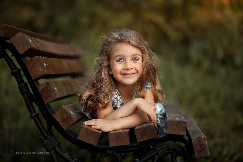 девочка уличнаяфотосессия лето photo preview