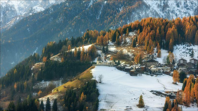 доломитовые альпы,италия,осень,деревня,colle canta lucia,свет,деревенский пейзаж,alps, Первый снегphoto preview
