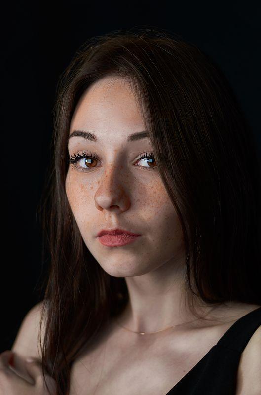Саша, портрет, Екатеринбург, студия, девушка, рыжая, веснушки,  Александраphoto preview