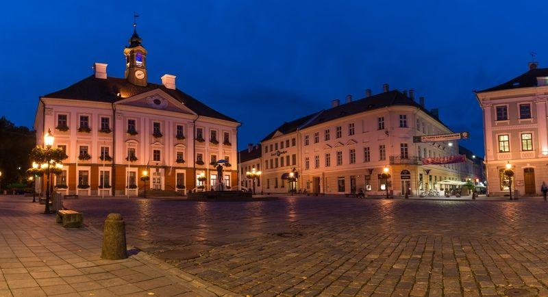 Эстония, Тарту, Eesti, Estonia, Tartu, вечер, площадь Ратушная площадьphoto preview