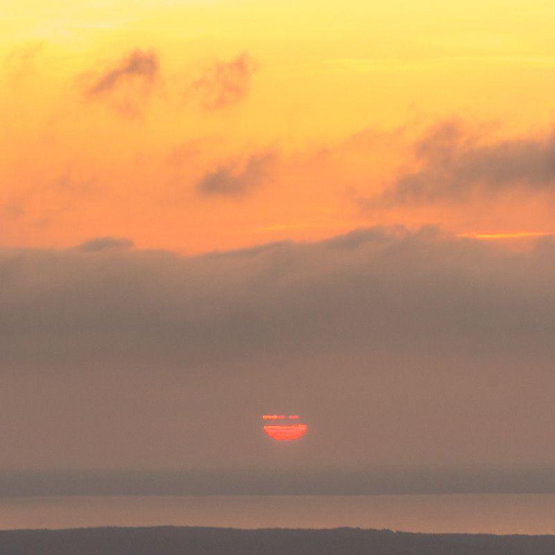 закат, природа, сумерки, пейзажи, оранжевый цвет, восход-рассвет, облако, красный, рассвет, пейзаж, солнечный свет, лето, фоны, красота природы, солнце, желтый, синий, Линии солнцаphoto preview