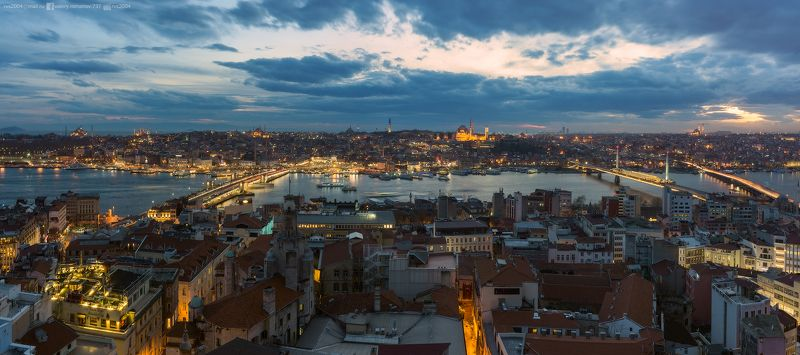 город, городской пейзаж, скайлайн, башня, сумерки, панорама, город, Галата, кулези, Стамбул, Турция, закат, ночь, восход, мост, синий, море, река, подсветка, корабль, мусульманство, мечеть Classic view on Istanbul from Galata towerphoto preview