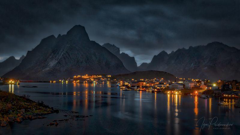 дождь, остров, рейне, москенесей, лофотены, норвегия Rain over Reinеphoto preview