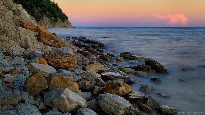 море скалы горы берег камни лето пейзаж Про каменистый берегphoto preview