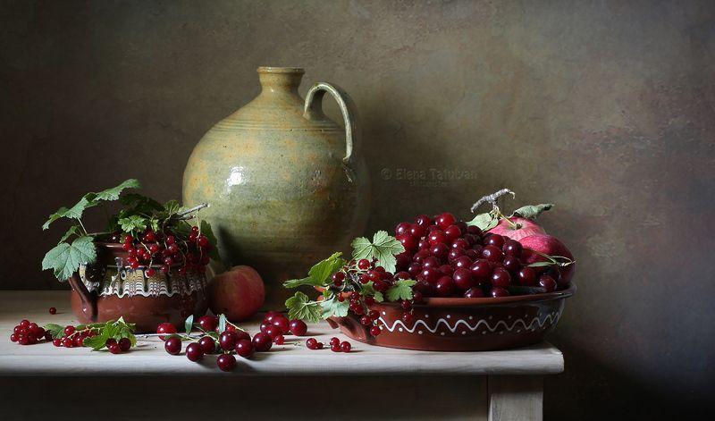 ягоды, вишня, смородина, кувшин, керамика Ягодыphoto preview