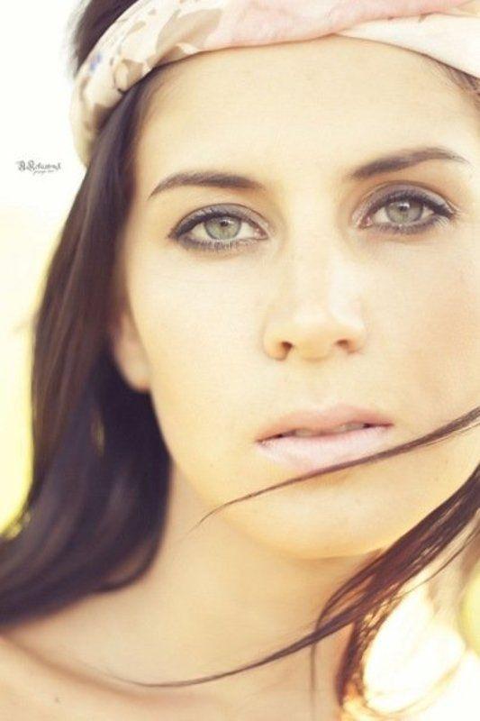девушка, красивая, портрет, глаза, волосы, синие Зеркало душиphoto preview