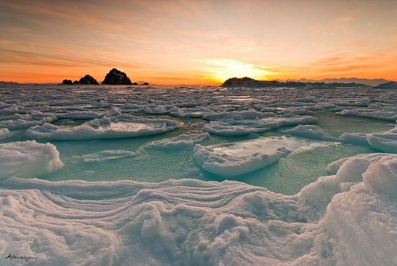 магадан, охотское, море, рассвет, три, брата, лед, снег, зима, мороз, скалы, шуга рассвет Охотского моряphoto preview