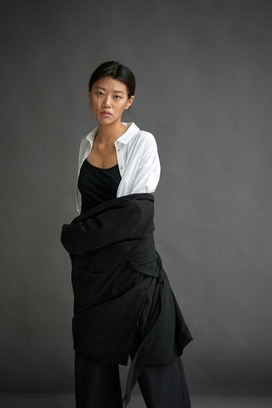girl,model,female,posing,posture,blackandwhite,clothes,motion,suit,движение,девушка,модель,азиатка,asian,поза,взгляд,костюм,fashion Testsphoto preview