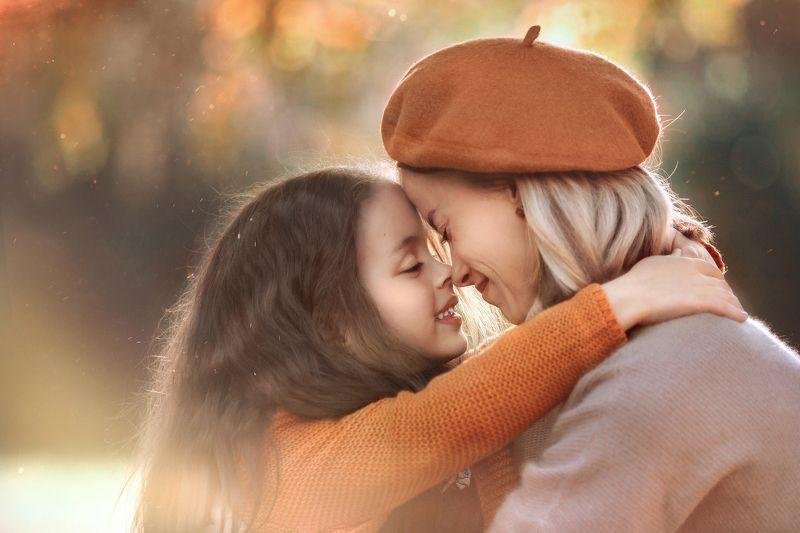 мама дочка нежность семья  семейный фотограф детский фотограф екатеринбург  Покажи как ты меня любишь photo preview