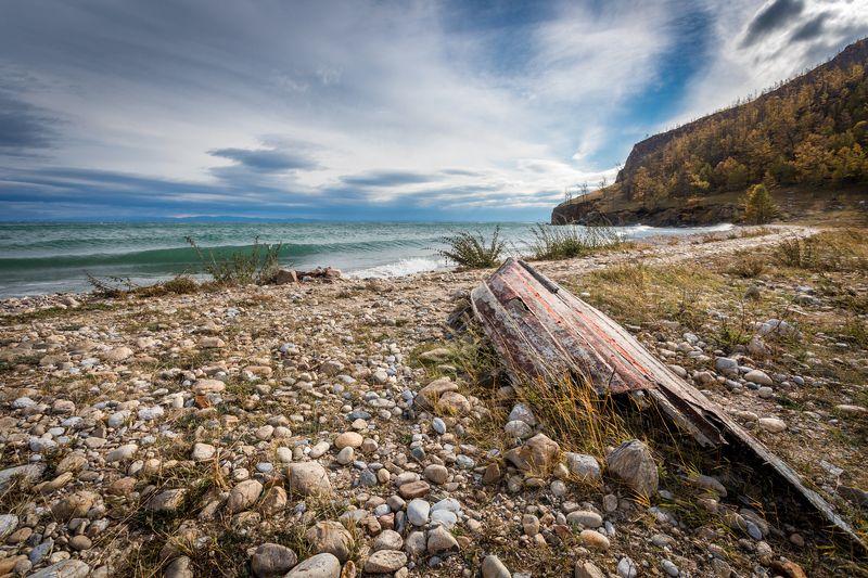 байкал, ольхон, пейзаж, лодка, вода, камни, пляж, берег последний причалphoto preview