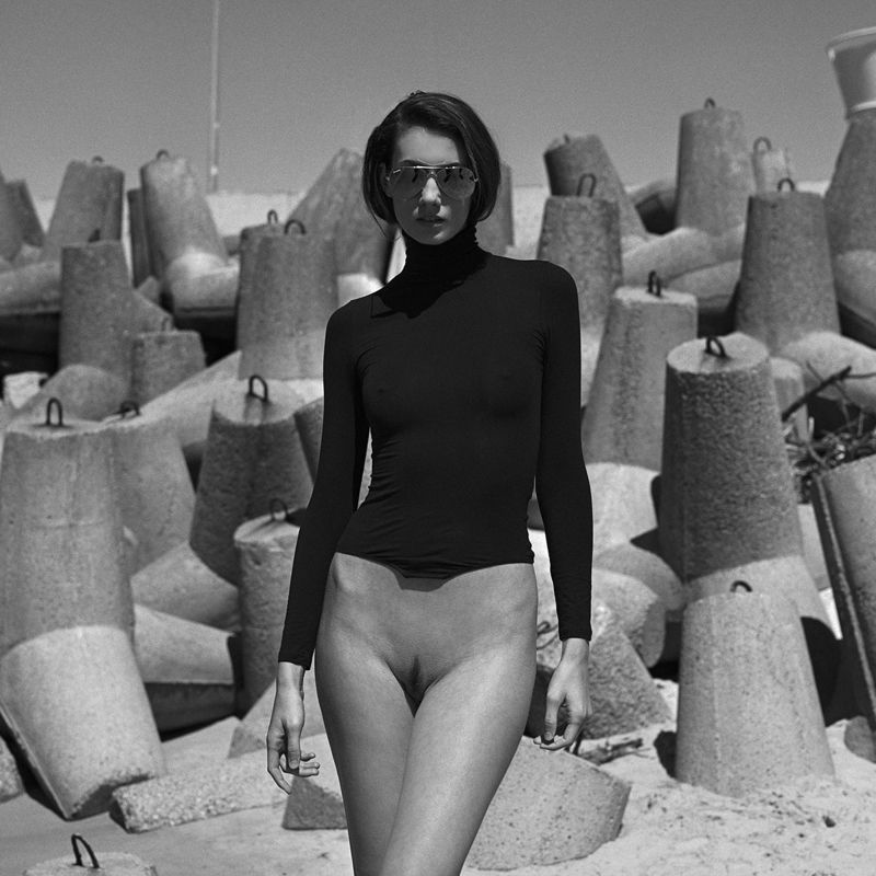 akt, nude, analog, women, hasselblad, ninoveron, bw, 6x6, Michaelaphoto preview