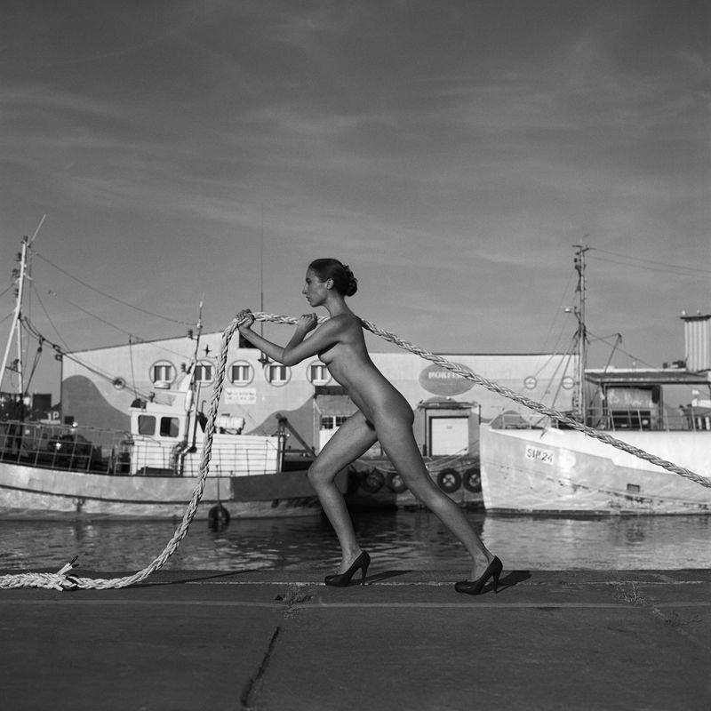 akt, nude, analog, hasselblad, women, fineart, bw, 6x6, Johankaphoto preview