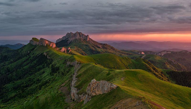 закат, большой тхач, малый тхач, асбестная, горы, пейзаж, рассвет, кавказ, адыгея, радуга, ачешбоки, облака, заповедник, Большой и Малый Тхач на рассветеphoto preview