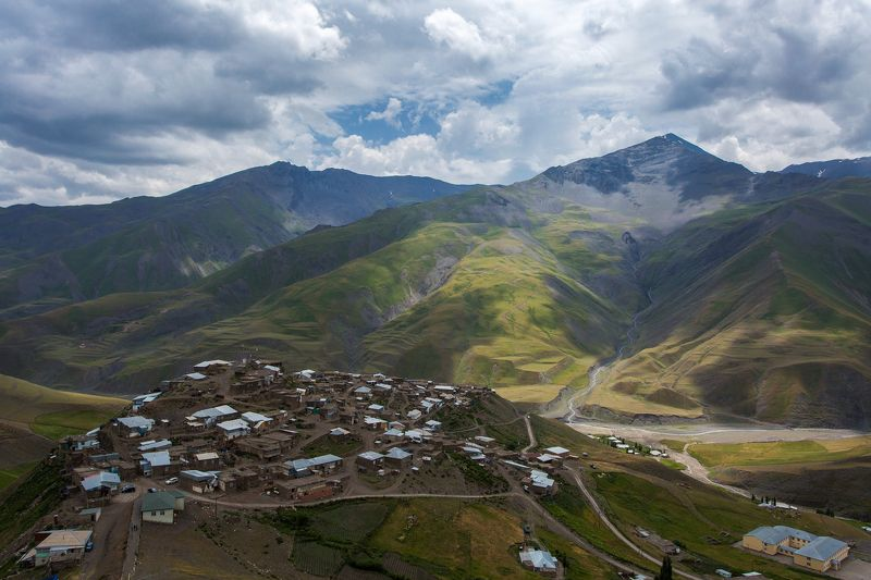 горы, пейзаж, село, деревня, Хыналыг, Азербайджан Высокогорное село Хыналыгphoto preview