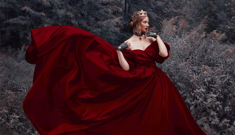 лес, корона, принцесса, королева, сказка, мистика, шлейф, платье Королеваphoto preview