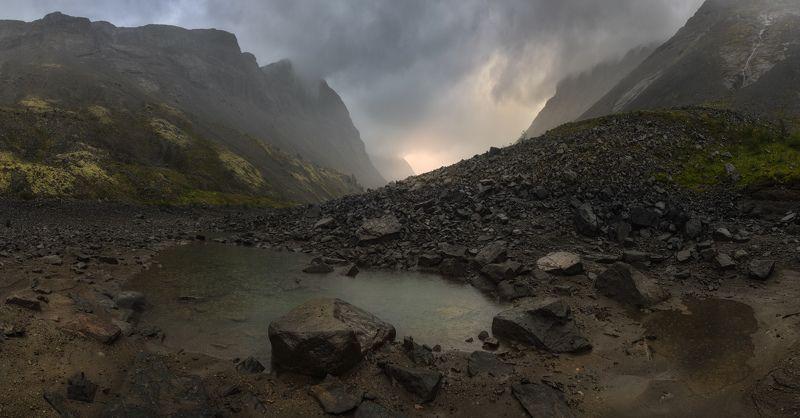 хибины, кировск, кукисвумчорр, озеро длинное На дне озера Длинноеphoto preview