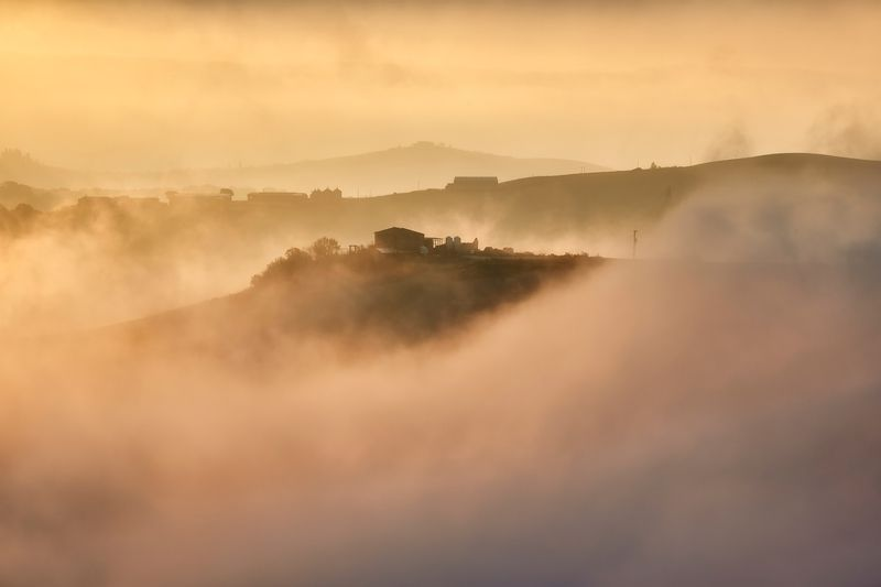 fog, sunrise, inversion, tuscany, italy Misty dayphoto preview