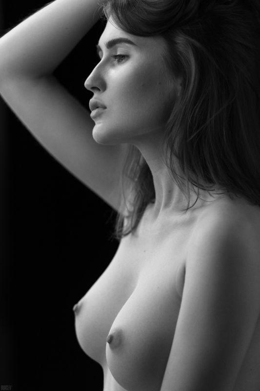 фотомодель, портрет, чб, девушка, красивая, взгляд, черно-белое, woman, beautifull, portrait, black & white, monochrome, canon6d, toples, nude, sexy Лераphoto preview