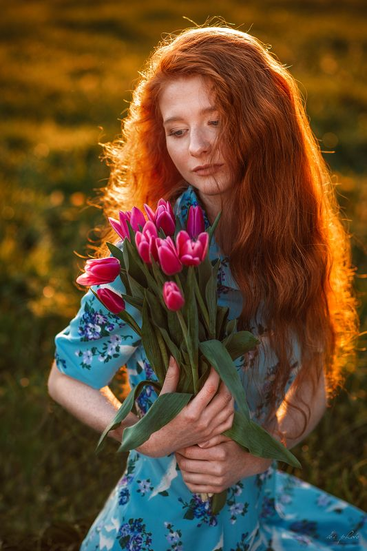 portrait woman redhair backlight  Tulipphoto preview