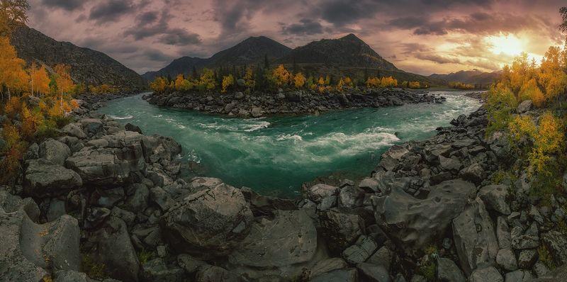 Изумрудная река Алтаяphoto preview