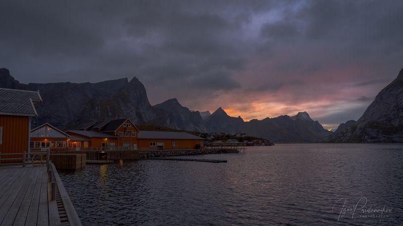 reine, norway, lofoten islands,øyodden, kjerkefjorden Уходящее солнце...photo preview