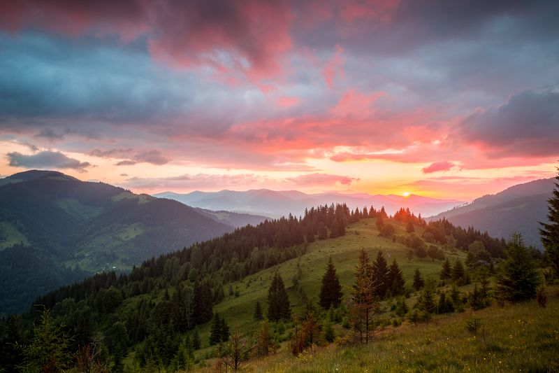 Рассвет в Горах / Dawn in the Mountainsphoto preview