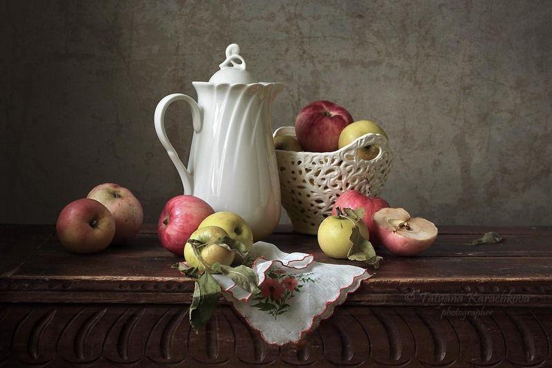 натюрморт, яблоки, осень,кувшин, сок Яблочные картинкиphoto preview