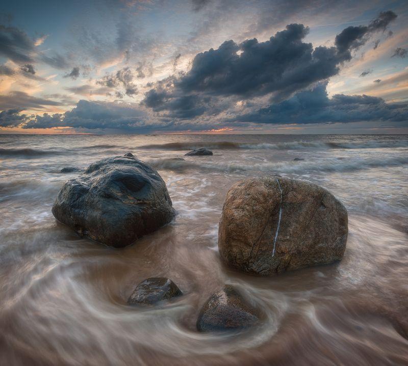#saulkrasti #latvijasdaba #latvia #latvijasskati #latvija #landscape #visitlatvia #visitsaulkrasti #nikon #longexposure #leefilters #summer #seascape #landscape #sea #photography #lpm Saulkrasti after stormphoto preview