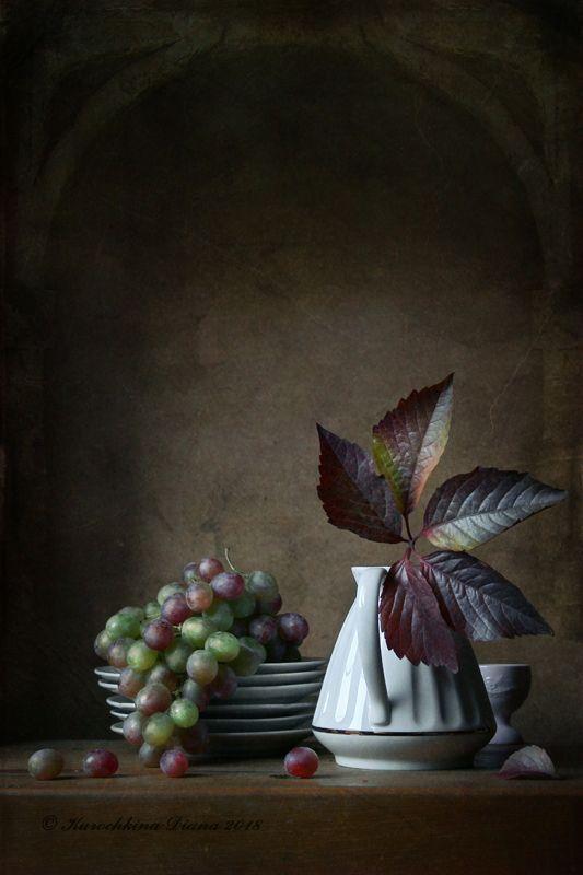 натюрморт, осень, виноград, осенний лист С осенним листомphoto preview