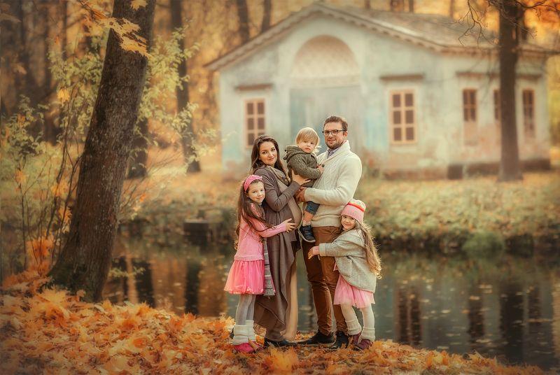 семья многодетная семья Семейная осеньphoto preview