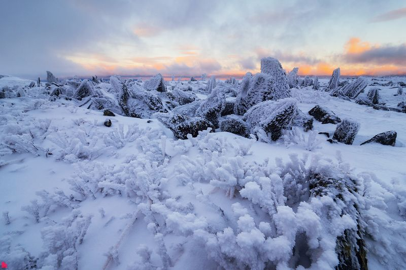 Замерзшие камниphoto preview